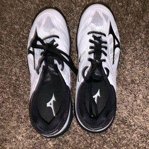 Mizuno Shoes - Mizuno women's volleyball shoes